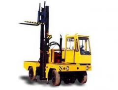 Loaders with lateral loading