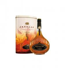 Janneau V.S.O.P Armagnac. (in metal tube) 0,7 l.