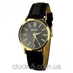 Стильные, современные часы на руку