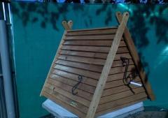 Дубовый домик на колодец