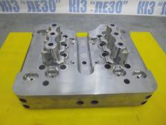 Compression mold insert