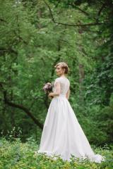 Wedding dress of the A-silhouette