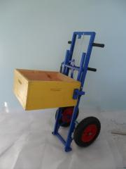 Apiary cart (APILIFT) TP-003 with the improved wheels