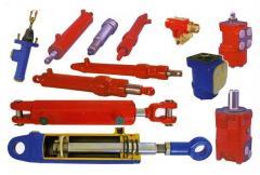 Hydraulic cylinders for autocrane equipment.