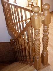 Лестницы деревянные резные любой сложности