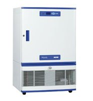 Deep freeze with a capacity of 246 liters for