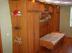 Стенка в детской с откидной кроватью