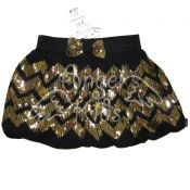 Skirt for the left check of M.1976