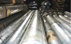 Corrosion-proof metal (leaf; the pipe is round,