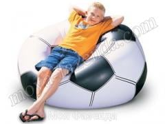 Inflatable chair in the form of a soccerball