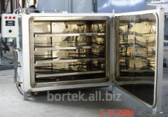 Electrical cabinet dryer CHO 10.6.8 / 2 with a fan. Working chamber dimensions made of stainless steel. The camera is mounted removable trays in which, in this case, placed the bulk material.
