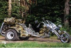 Trayk, three-wheeled motorcycle