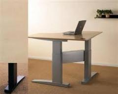 Регулируемая по высоте основа для стола...