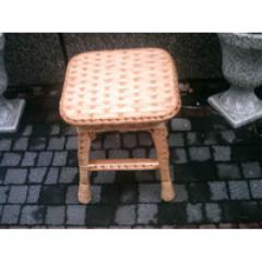 Wattled stool from a rod square