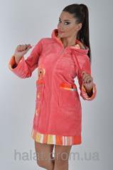 Женский махровый халат с капюшоном и вышивкой