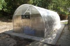 The mini-greenhouse from polycarbonate