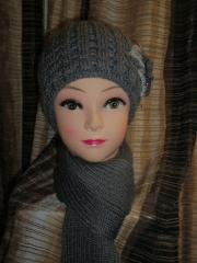 Комплект шапка с цветком и шарф темно-серый