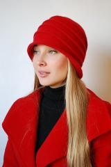 Шляпка женская красная