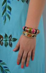 Браслет ручної роботи різнобарвний з кісткою 70
