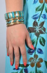 Браслет ручної роботи блакитної з кісткою 70 грн
