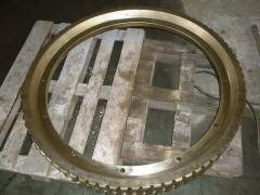 Bronze wreath and worm on HA3225 guillotine shears