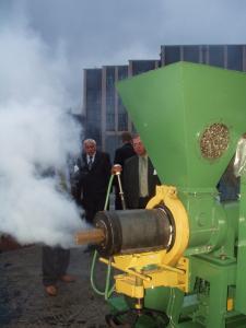 Пресс экструдерный горячего прессования РЕ-400