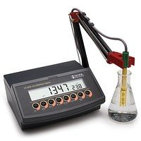 HI 2300 conductometer