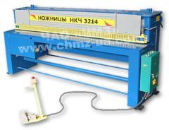 Ножницы гильотинные НКЧ 3214 (2,5х2500) кривошипные листовые механические для резки листового металла (гильотина - толщина реза до 2.5 мм, ширина до 2500 мм). Цена договорная. Производитель - Черниговский механический завод.