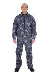 Костюм охранника состоит из куртки и брюк.  Куртка