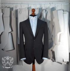 Classical men's suit to order