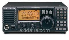 Icom IC-718 radio station