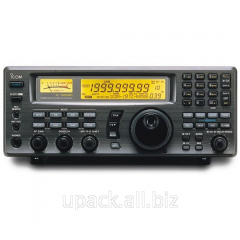 The scanning Icom IC-R8500 receiver