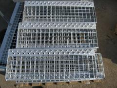 The steps of the metal grating