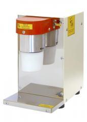 TL-2 kneader