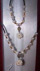 Necklace and bracelet from sea pearls of Akoya