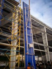 Load-lifting vacuum traverses