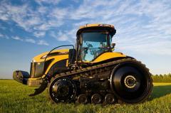 Гусеничный трактор Challenger MT700E Модель MT