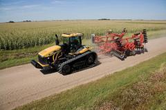 Гусеничный трактор Challenger MT800E, Модель