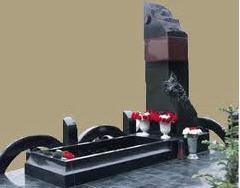 Изготовление памятников и надгробных украшений из