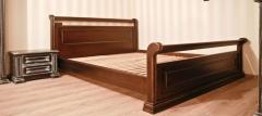 Гарнитур спальный из дерева