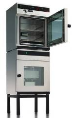 Vacuum drying cabinet of Memmert of the VO series