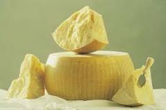 Parmidzhano Redzhano's cheese, 24 months of