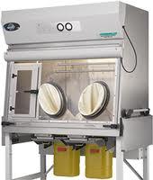 Insulator for preparation of the sterile