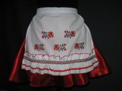 The apron embroidered