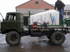 Services by a self-propelled sprayer