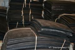 Porous foam rubber