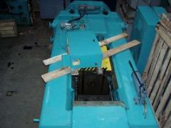 Press of screw F1730