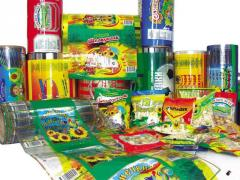 Flexible rolled packaging with drawing the