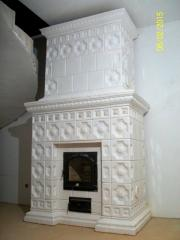 Ceramic tile for facing of fireplaces, furnaces