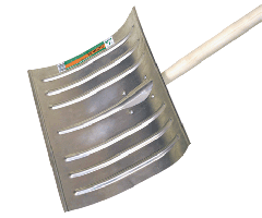 Shovel for snow cleaning